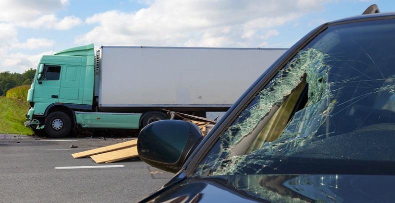 Automatic Crash Notification Systems Make Trucks Safer